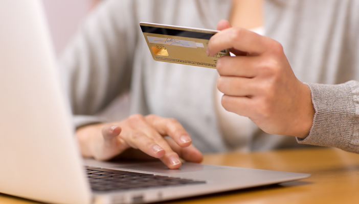 The Benefits and drawbacks of internet Shopping